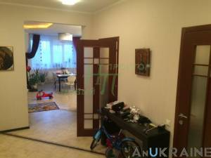 3-комн., 110 кв. м., Среднефонтанская, Центр, Одесса, Приморский район